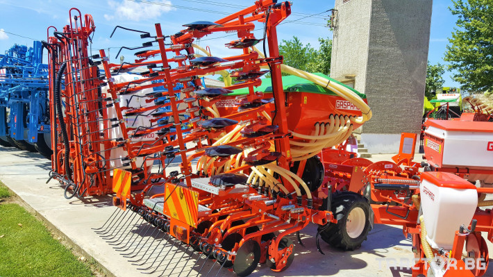 Сеялки Gaspardo Пневматична сеялка PINTA 500 3 - Трактор БГ