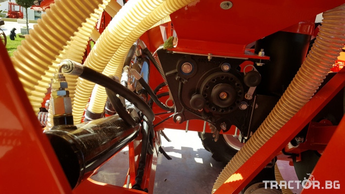 Сеялки Gaspardo Пневматична сеялка PINTA 500 5 - Трактор БГ